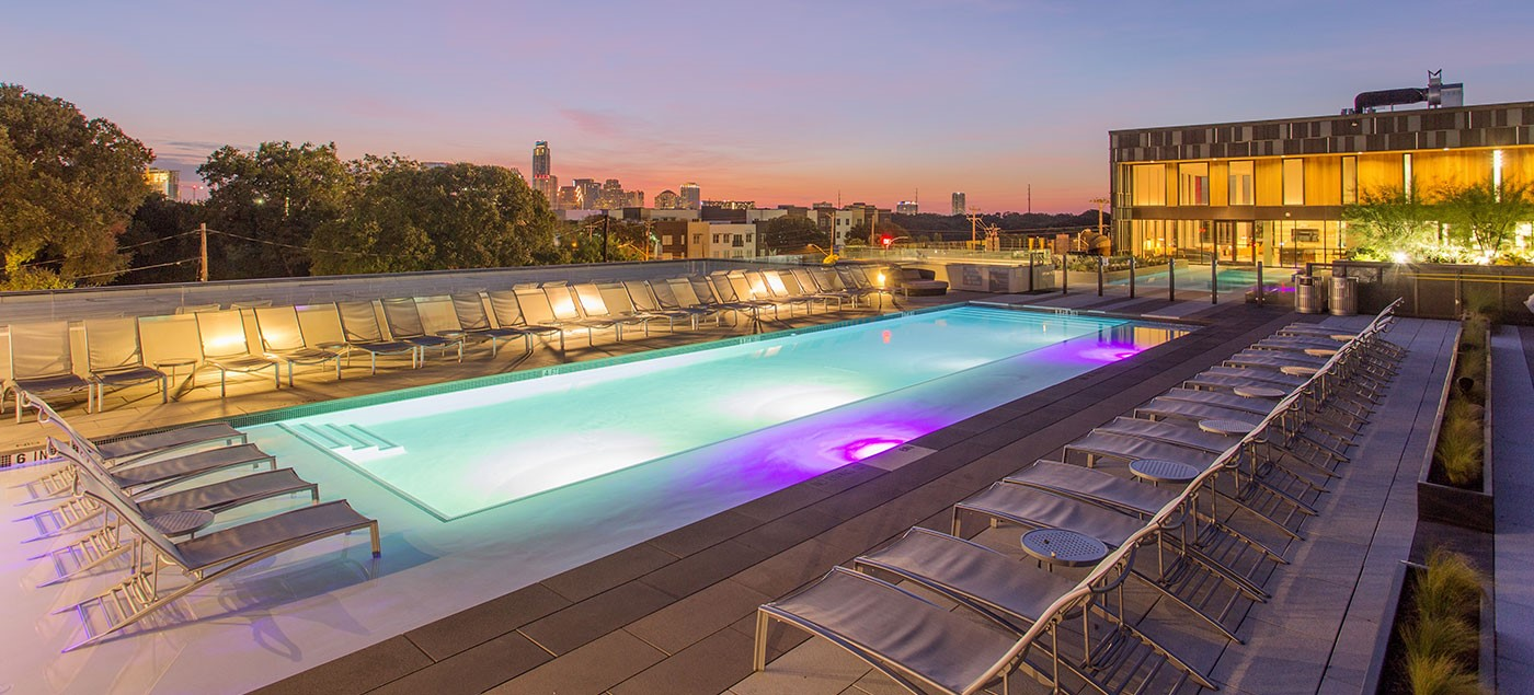 lamar-union-rooftop-pool